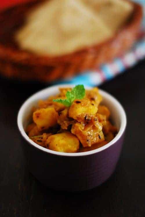 Aloo Jeera (Potatoes Flavoured With Cumin)