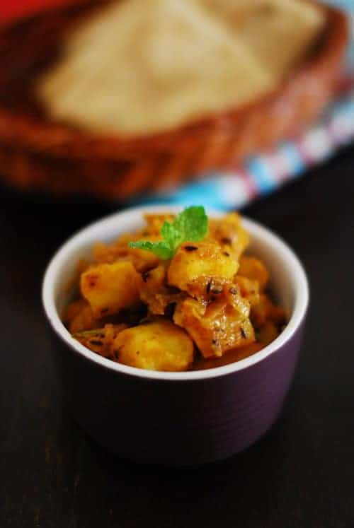 Aloo Jeera (Potatoes Flavoured With Cumin)