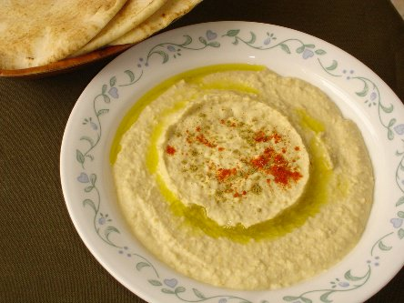 How to make creamy smooth hummus at home an easy quick recipe hummus forumfinder Image collections